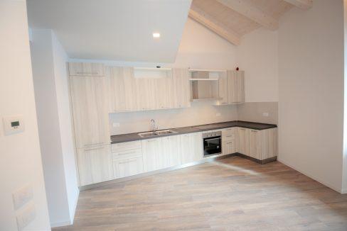 immobiliarecapital-affitto-mansardasopramonte3