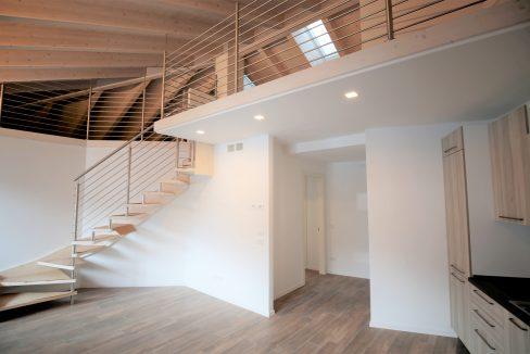 immobiliarecapital-affitto-mansardasopramonte6