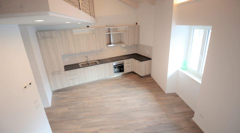 immobiliarecapital-affitto-mansardasopramonte9