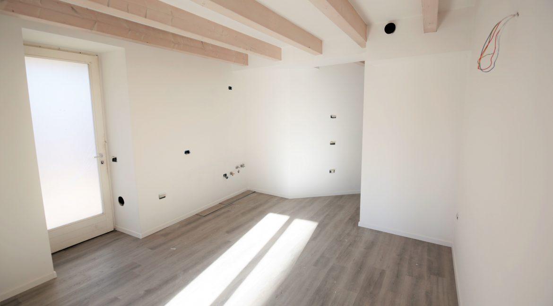 immobiliarecapital-venditatrilocalevialecappuccini18
