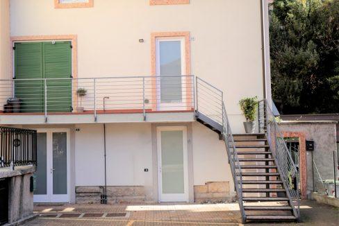 immobiliarecapital-venditatrilocalevialecappuccini2