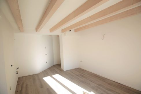 immobiliarecapital-venditatrilocalevialecappuccini20