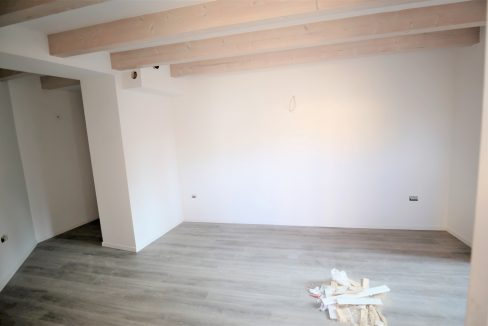 immobiliarecapital-venditatrilocalevialecappuccini4